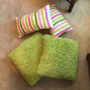 Other - Bundle of 4 Pillows